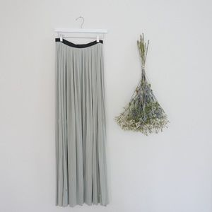 Dresses & Skirts - Elegant Full Length Maxi Skirt